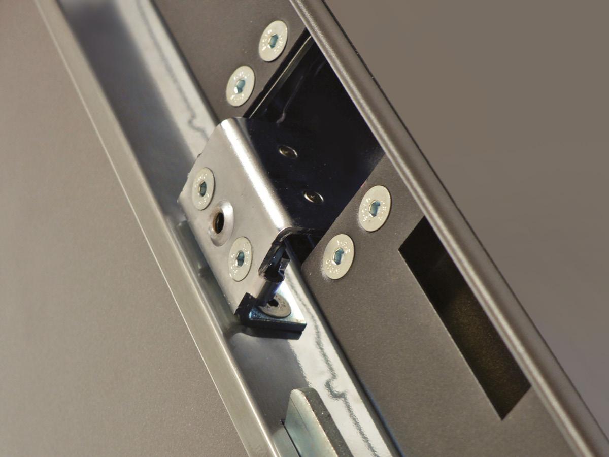 Portoni di ingresso fini progetti - Limitatore apertura porta blindata ...